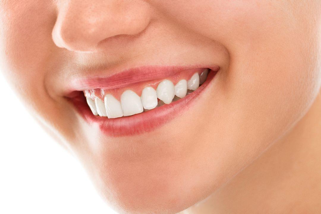 Odontoiatria estetica, ricostruzione dentale, odontoiatria conservativa ed endodonzia a Bregnano provincia di Como Dentista