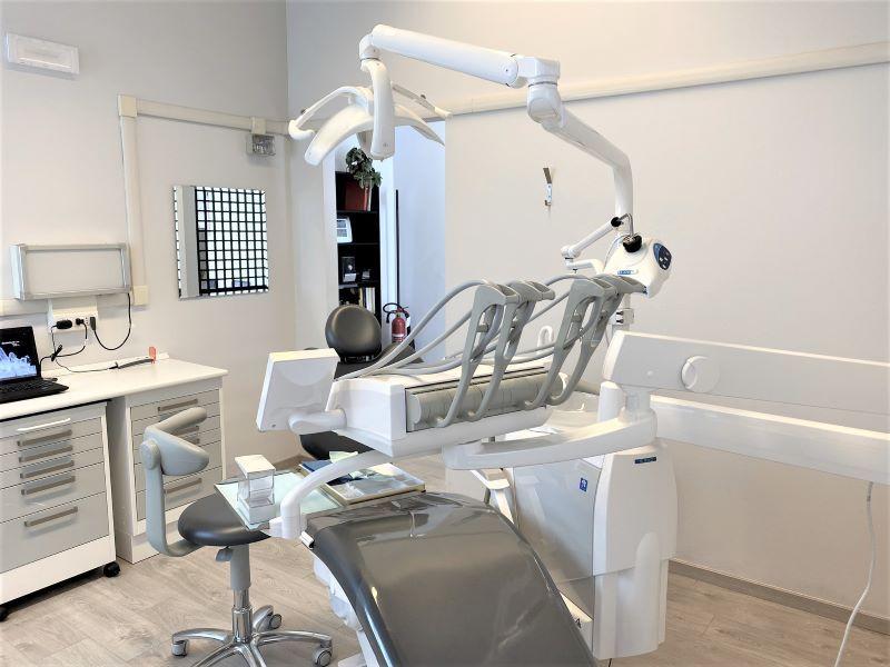 Studio Dentistico Poliambulatorio Ferrario Bregnano Como