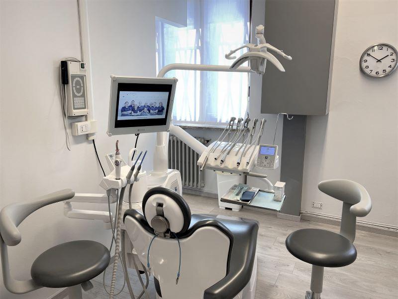 Riunito 2 - Dentista Odontoiatra a Bregnano Como Cantù Cermenate Lomazzo